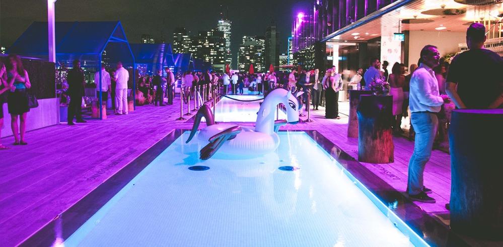 1000_flyer_pool_night